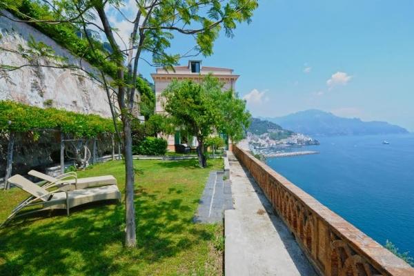 Apt Amalfi